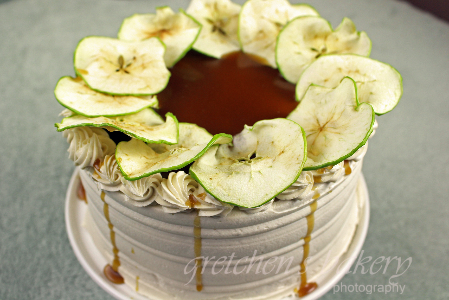 Vegan Caramel Apple Cake