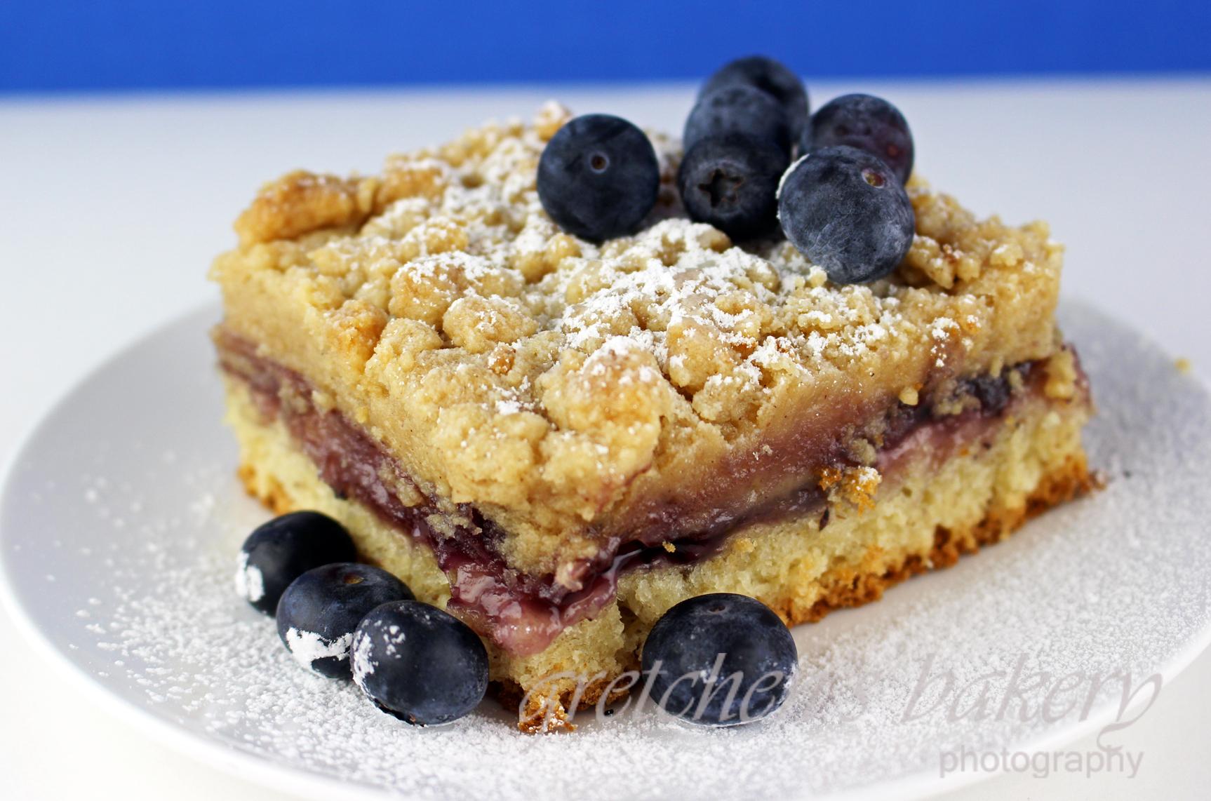 Blueberry Crumb Bun