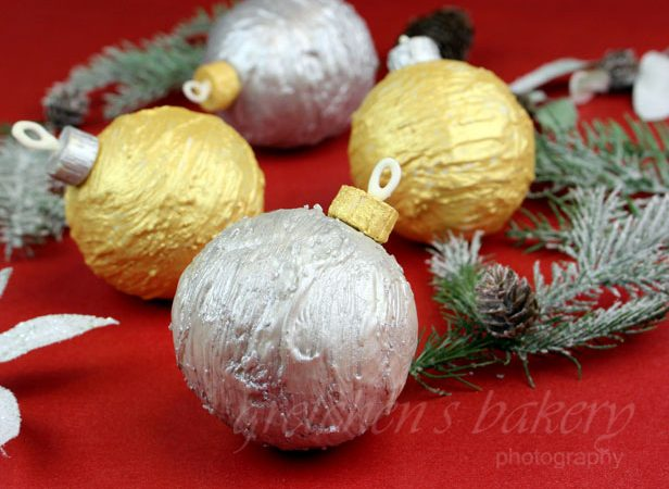 Christmas Ornament Cakes
