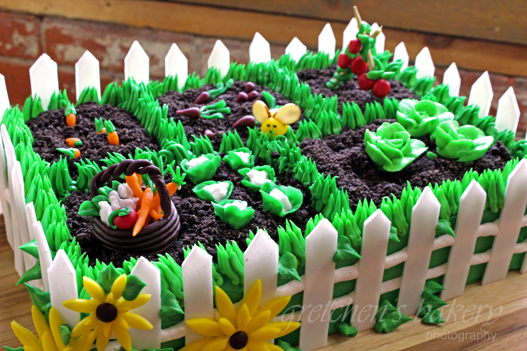 Vegetable garden cake gretchen39s vegan bakery for Vegetable garden cake ideas