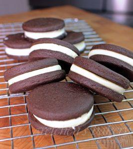 Homemade Vegan Oreo Cookies