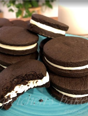 Homemade Vegan Oreo Cookies