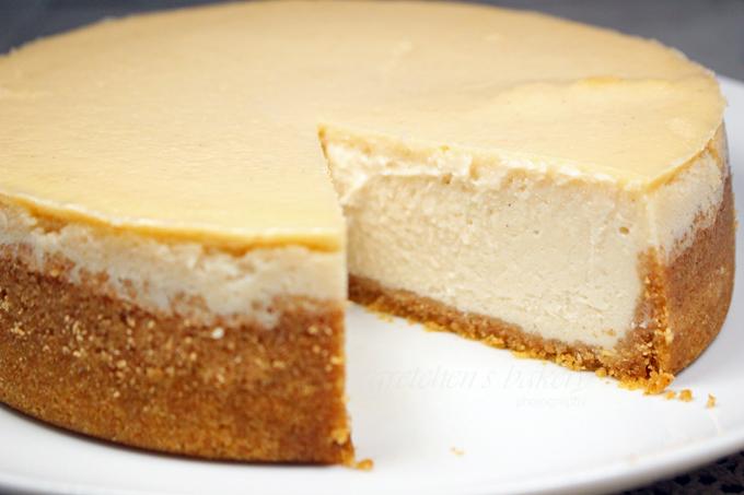 The Best Vegan Cheesecake Recipe Ever! Strawberry Cheesecake