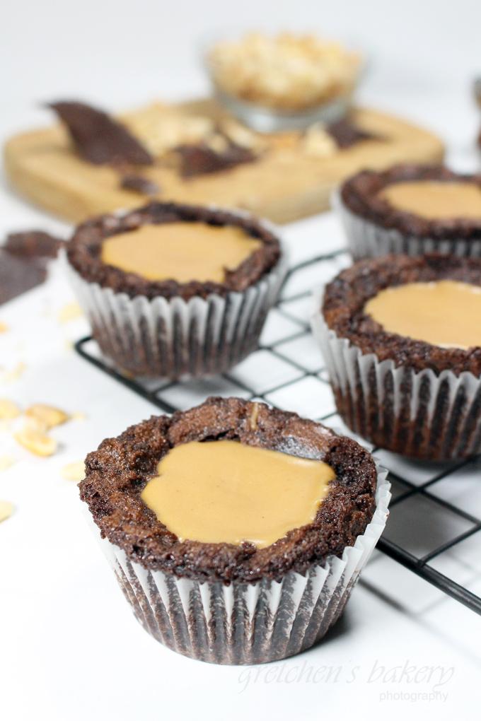 Vegan Brownie Cupcakes with Peanut Butter Fudge